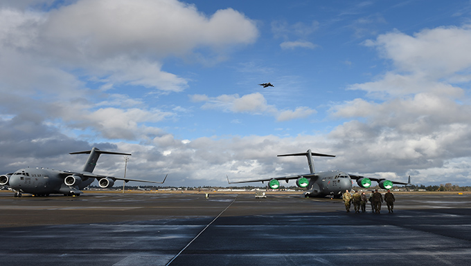 62nd Airlift Wing hosts JBLM leadership